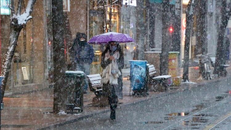 İstanbula ne zaman kar yağacak İşte Meteorolojiden gelen en son bilgiler