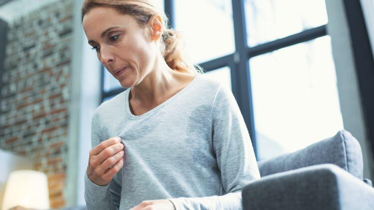 Aşırı Terleme Neden Olur? Terleme Tedavisi Nasıldır?