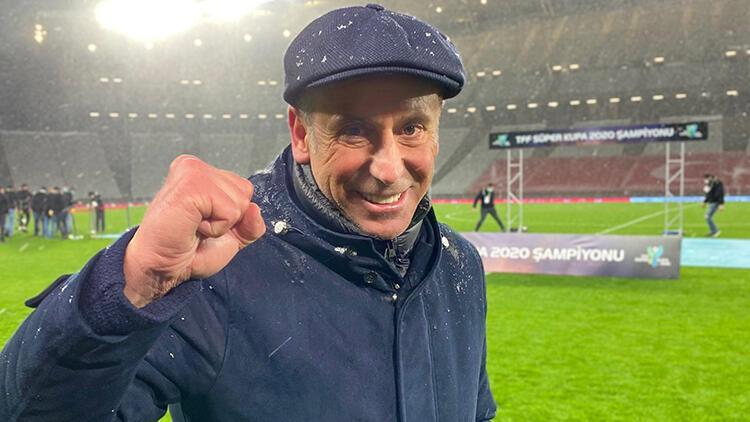 Abdullah Avcı kulüp kariyerinin ilk kupasını kazandı!