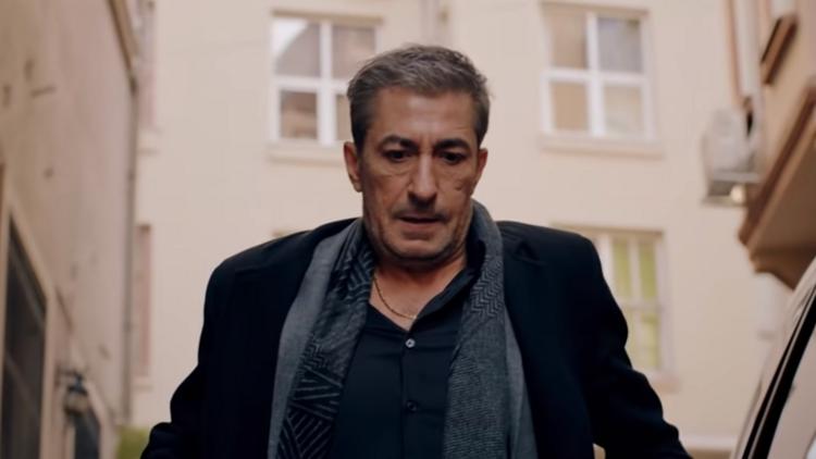 Kırmızı Oda dizisindeki Sadi kimdir? Kırmızı Oda kadrosuna katılan Erkan Pettekkaya'nın hayatı hakkında bilgiler