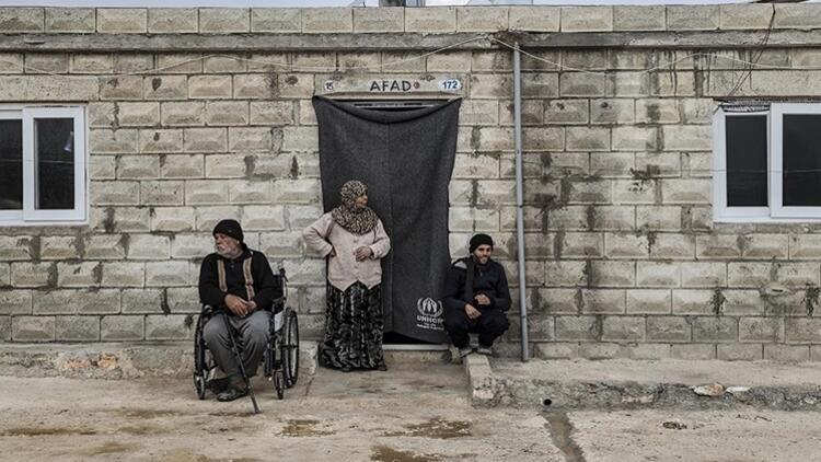 Türkiye'de toplanan bağışlar, rejimin saldırılarından kaçan Suriyelilere 'dört duvar' oluyor