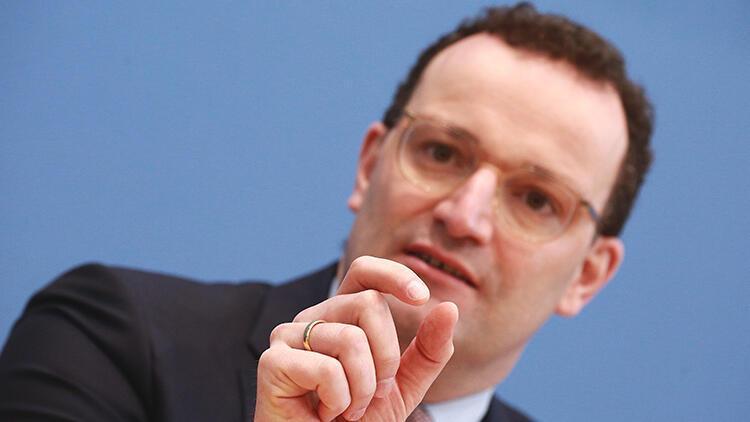 Almanya'da son 24 saatte 839 kişi Kovid-19'dan hayatını kaybetti, sağlık bakanı açıklama yaptı