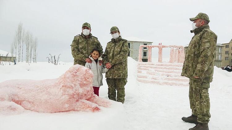 Babası kardan Anıtkabir yapan Hira Ankara yolcusu