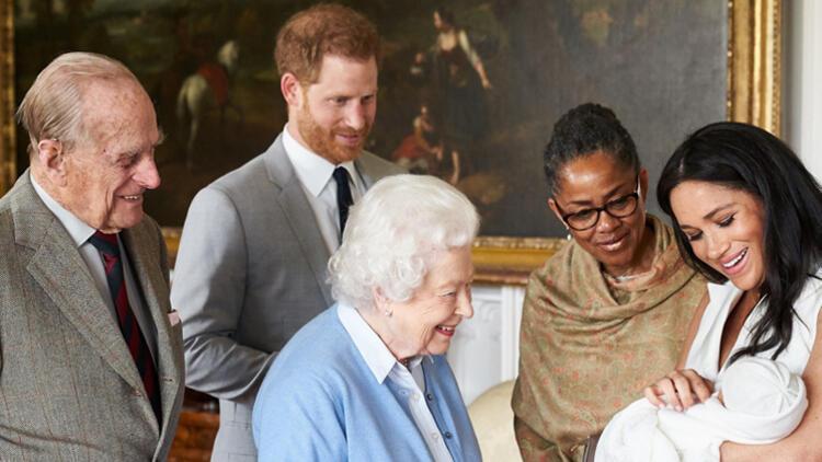 Kraliçe emretti, doğum belgesinden Meghan'ın adı kaldırıldı