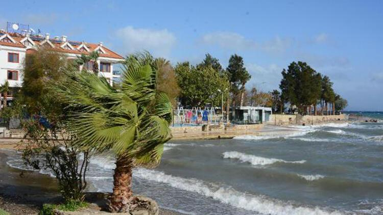 Datça'da fırtına hayatı olumsuz etkiledi