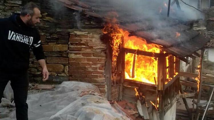 101 yaşındaki Ümmü nine, yalnız yaşadığı evinde çıkan yangında yaşamını yitirdi