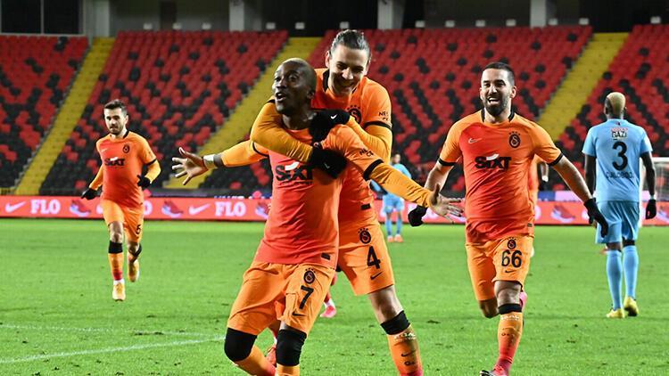 Galatasaray'da Fatih Terim yenilerle yine zafer peşinde! Fenerbahçe maçında...