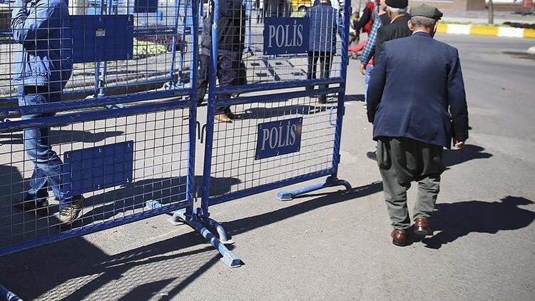 Hatay'da toplantı ve gösteri yürüyüşleri geçici olarak yasaklandı