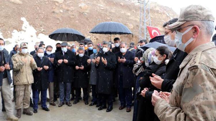 Van'daki çığda şehit olan 42 kişi törenle anıldı