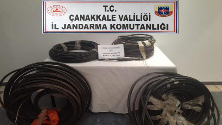 Çanakkale'de karı-koca 2 çift kablo çalarken suçüstü yakalandı