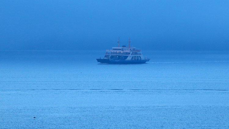 Çanakkale Boğazı, 13,5 saat sonra transit gemi geçişine açıldı