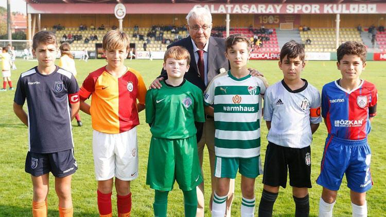 Son dakika: Galatasaray'ın efsane antrenörü Ahmet Keskinkılıç hayatını kaybetti