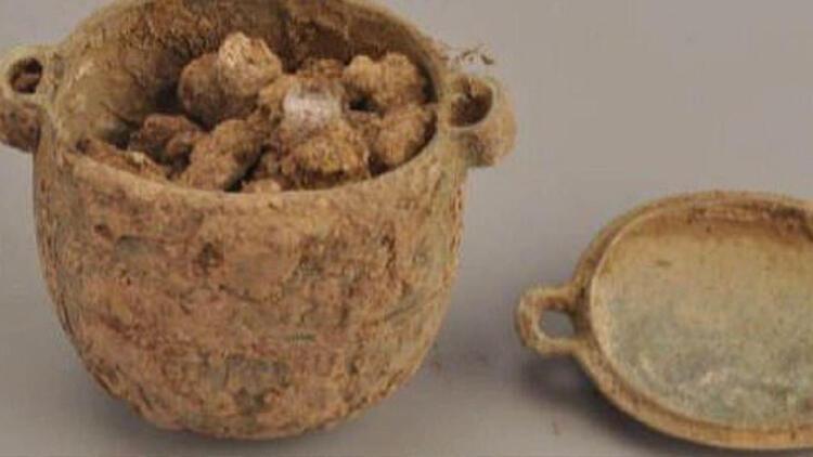Çin'de 2 bin 700 yıllık kozmetik ürün bulundu