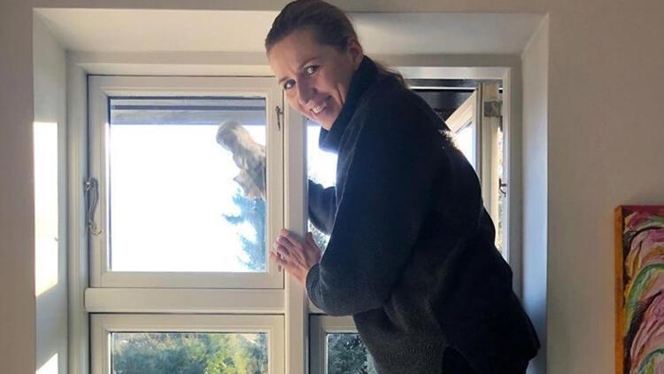 Danimarka Başbakan'ı temizlik yaptığı fotoğrafı takipçileriyle paylaştı