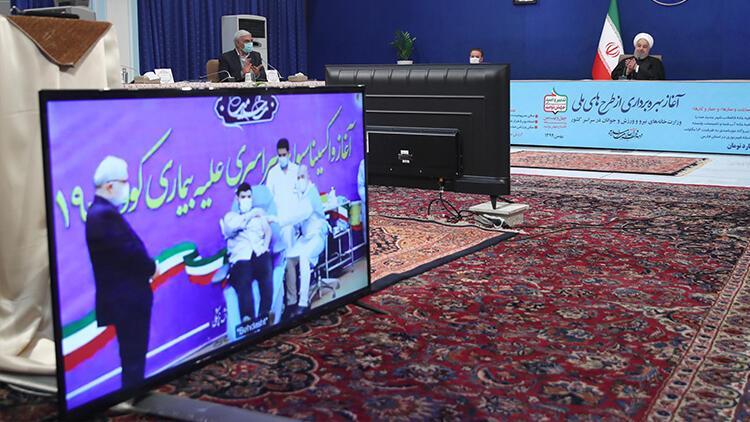 İran'da ilk Kovid-19 aşısı Sağlık Bakanı'nın oğluna yapıldı