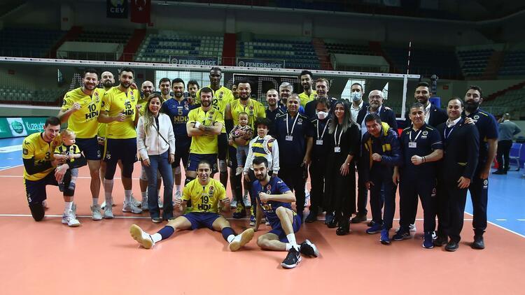 Fenerbahçe Erkek Voleybol Takımı'nda iki koronavirüs daha!