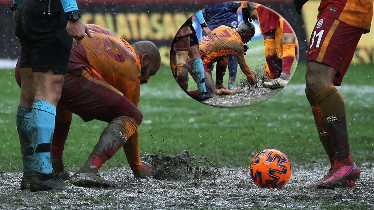 Galatasaray maçına damga vuran görüntü! Marcao ve Onyekuru elleriyle temizledi