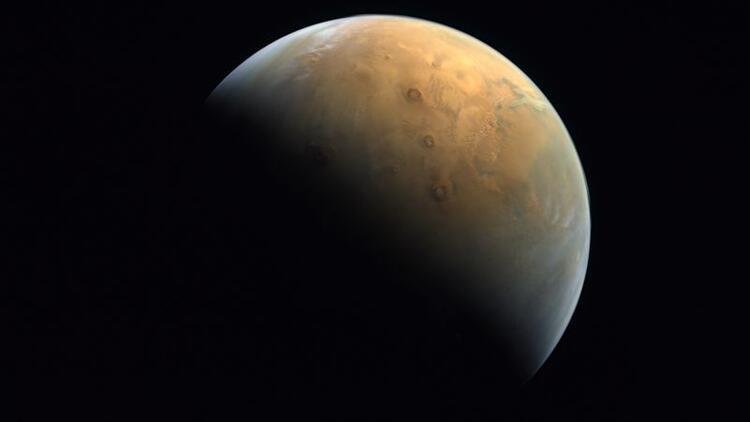 Uzay aracı Hope'un Mars fotoğrafı Dünya'ya ulaştı