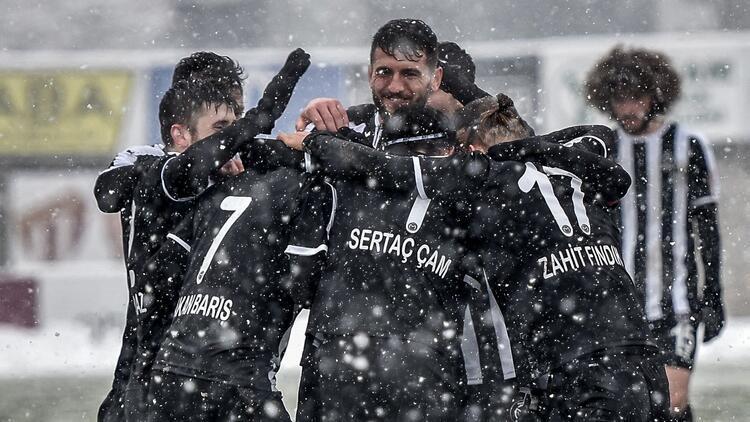 Manisa FK şampiyonluğa koşuyor! Büyük avantaj...