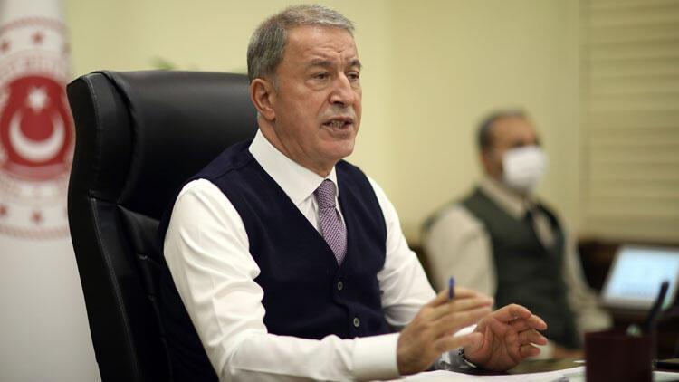 Bakan Akar, video telekonferans toplantısı düzenledi