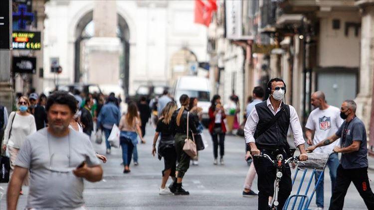 İtalya'da aktif koronavirüs hasta sayısı 400 binin altına geriledi