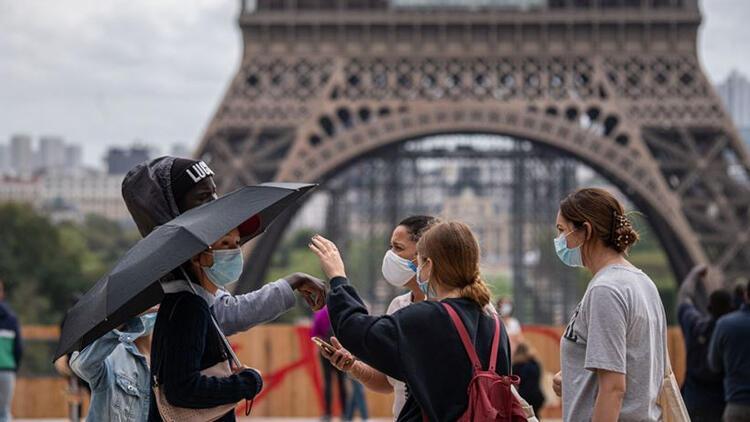 Fransa'da koronavirüsten dolayı son 24 saatte 413 kişi hayatını kaybetti