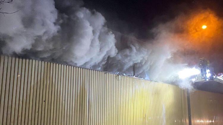 Nürnberg'de korkutan yangın... Bir anda her yeri duman kapladı...
