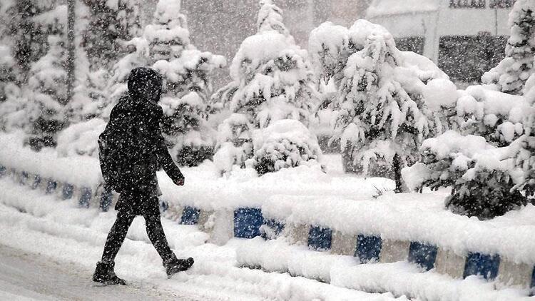 19 Şubat'ta okullar tatil mi? Yarın okullar var mı? Gözler kar tatili haberlerinde