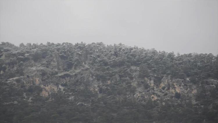 KKTC'ye mevsimin ilk karı yağdı