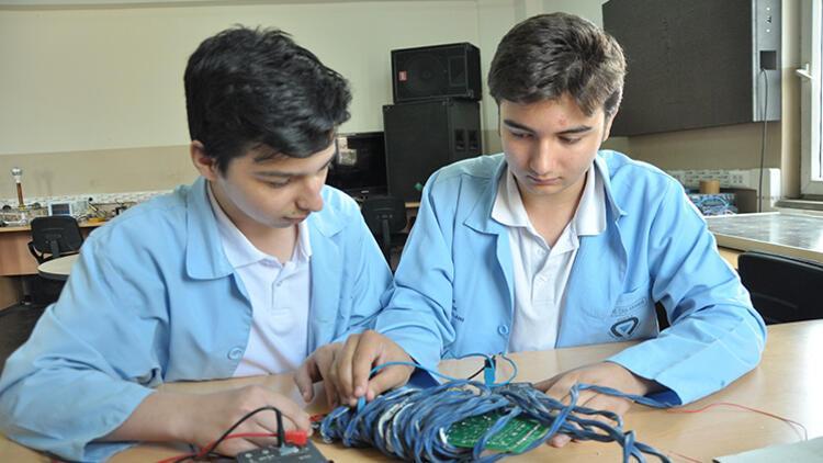 MEB'den 'Mesleki Eğitimde 1000 Okul Projesi'ne destek