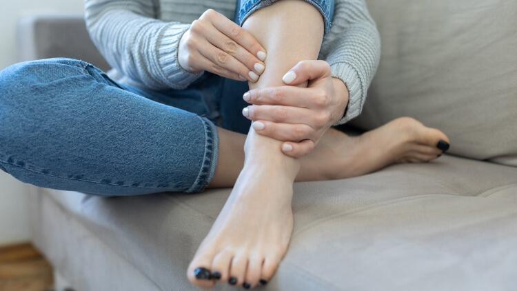 Bacak Ağrılarınızın Sebebi Varis Problemi Olabilir
