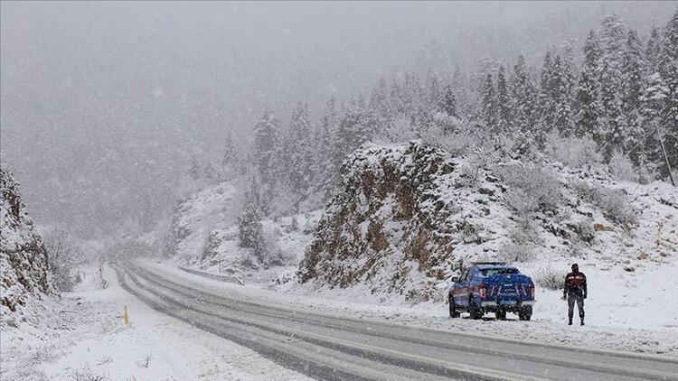4 ilde ulaşıma kar engeli!