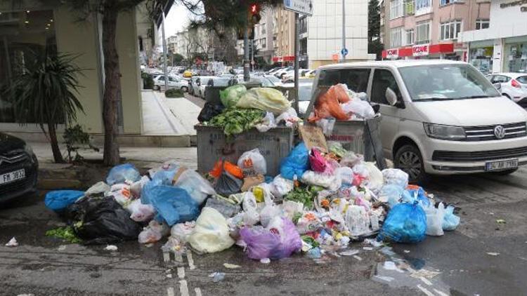 Kadıköy'de çöp dağları! Belediye işçileri grev yaptı, Kadıköy çöple doldu