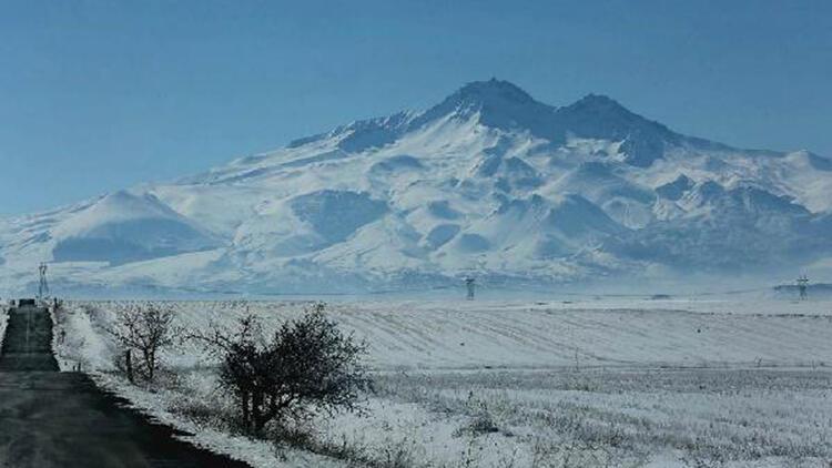 Kayseri'de kar, kartpostallık görüntüler oluşturdu
