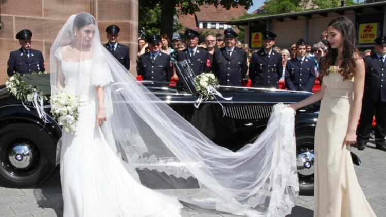 İstanbul sosyetesinin en güzel kızıydı, evlendi ve kontes oldu