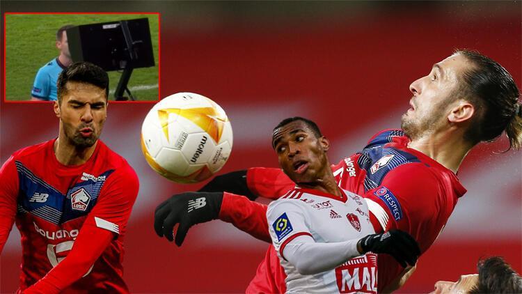 Yusuf ve Zeki'nin forma giydiği Lille - Ajax maçında büyük skandal! VAR'da izledi ama...