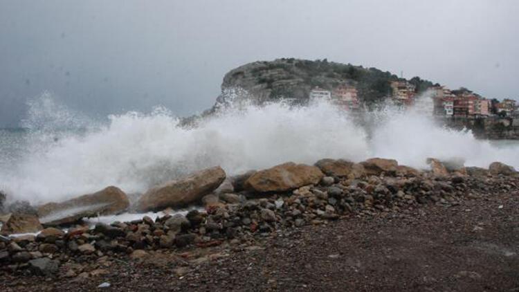 Amasra'da rüzgar etkili oldu