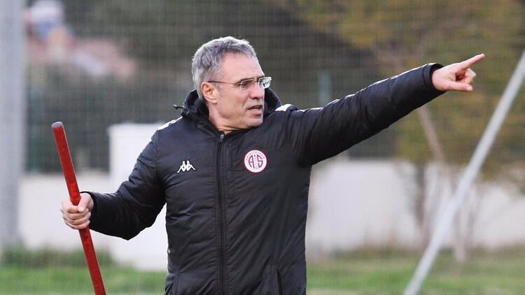 Antalyaspor ilk 15'te yiyor, 31-45'te atıyor!