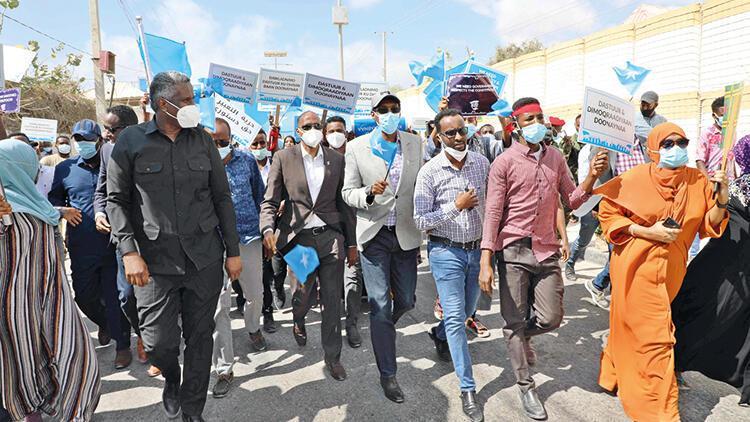 Somali'de seçim krizi sürüyor