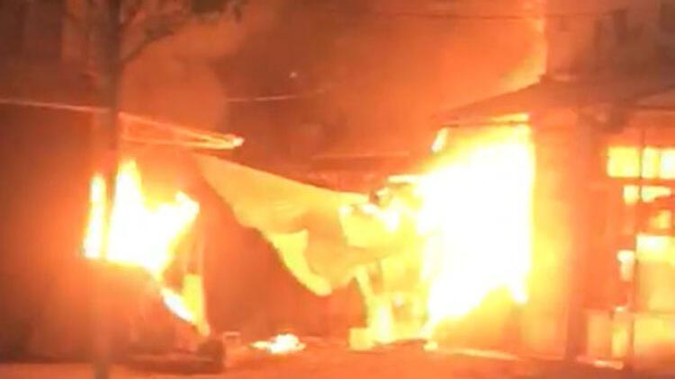Tokat'ta bir dükkanda çıkan yangın 6 iş yerine daha sıçradı