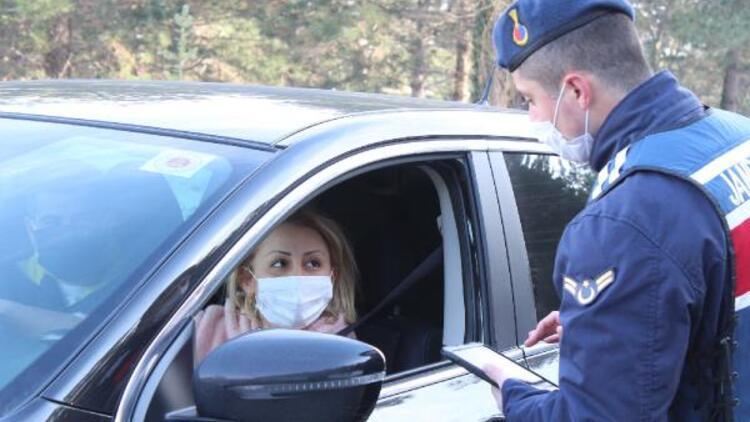 Jandarma tek tek kontrol ediyor! İzin belgesi olmayanların Kartepe'ye çıkmasına izin verilmiyor