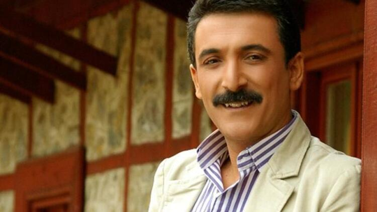 Latif Doğan kimdir, kaç yaşında, nereli? Latif Doğan'ın hayatı ve şarkıları hakkında bilgiler