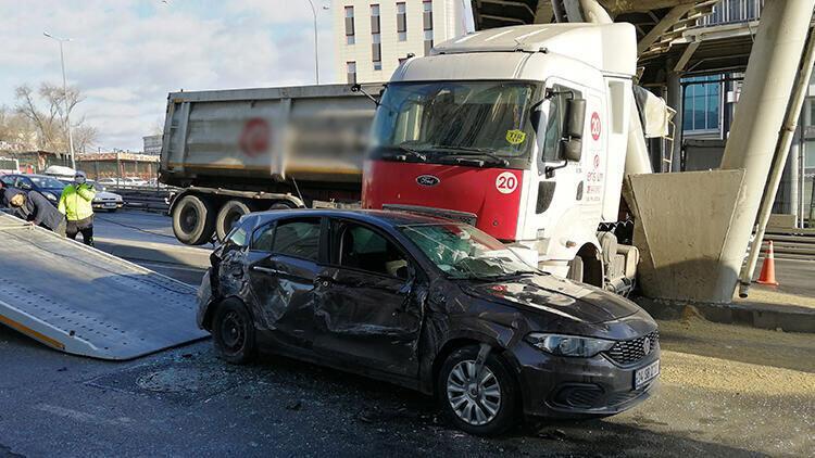 Beylikdüzü D-100 Karayolu'nda kaza