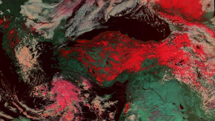 Uydu görüntüsünde ortaya çıktı! İşte Türkiye'nin üzerindeki kar örtüsü…