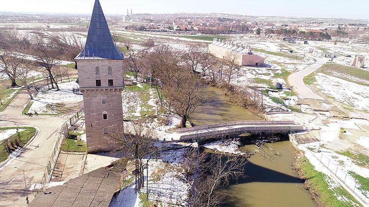 Fatih Köprüsü'nün yeni tehdidi! Kar suyu