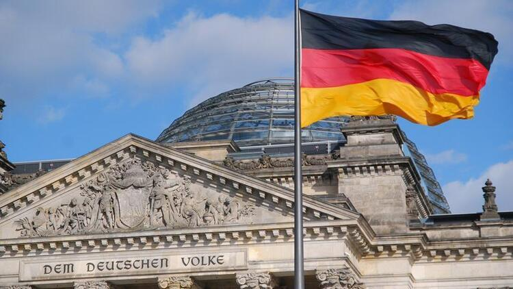 Almanya'da sanayi üretimi geriledi