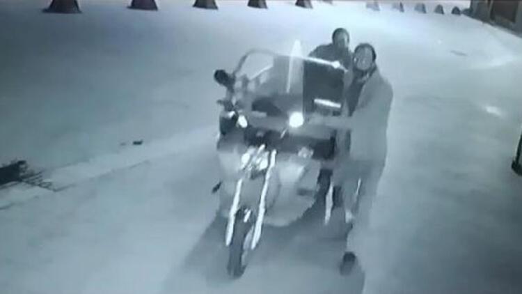 Kuryelerin elektrikli bisikletlerini çalan hırsızlar yakalandı