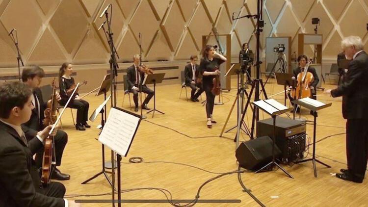 Gramy Ödüllü Tenör Bülent Bezdüz'den Hannover'de dijital konser