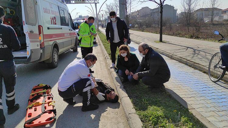 Yaralanan sürücüye ilk müdahaleyi İl Sağlık Müdürü yaptı