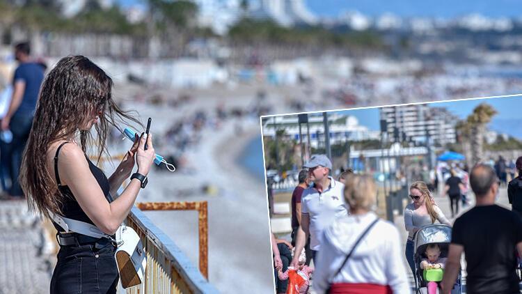 Antalya'da güneşli hava, koronavirüsü unutturdu
